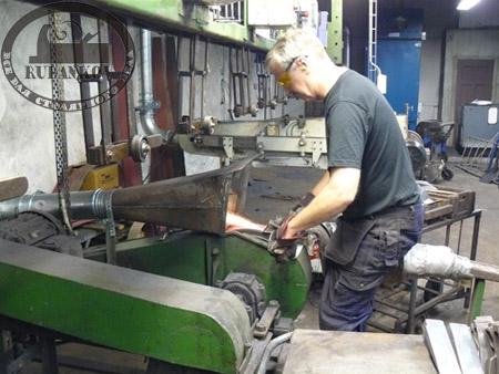 Заточка топора на фабрике Wetterlings