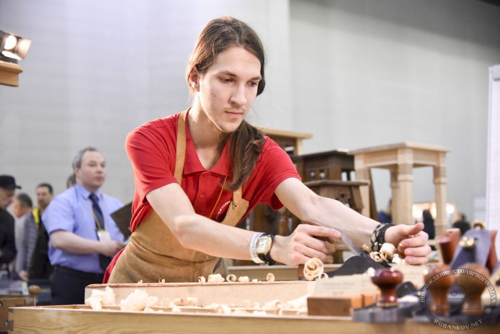 Данила Логинов, работа ручными рубанками, #фсд18