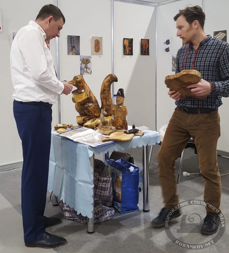Николай Крутченко и Николай Гончаров (справа) , мастер-класс корнепластика