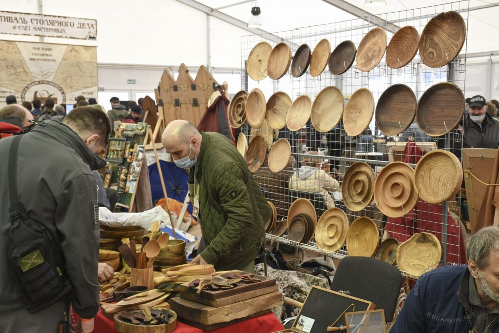 деревянные ложки и тарелки на ФСД21, Москва