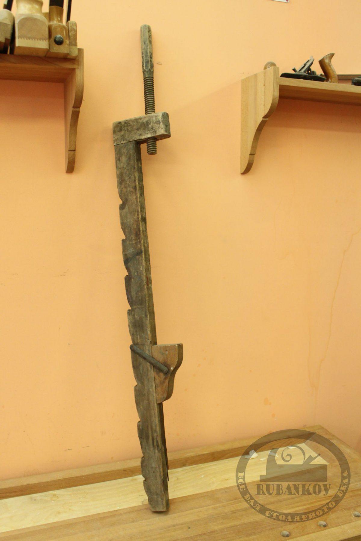 Деревянная струбцина для склейки щитов