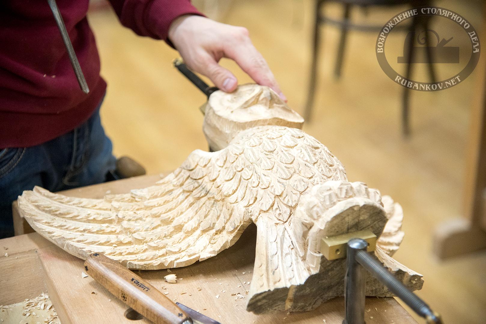 Резьба по дереву - деревянная скульптура птицы