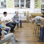 Евгений Мишуков объясняет строение Барного табурета