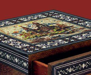 Чертозианская мозаика на шкатулке