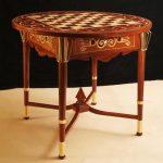 Шахматный стол с мозаикой по дереву