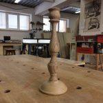 Точёный деревянный подсвечник