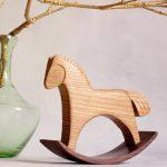 Деревянная игрушка - лошадка