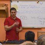 Дмитрий Пушин знакомит с токарными инструментами