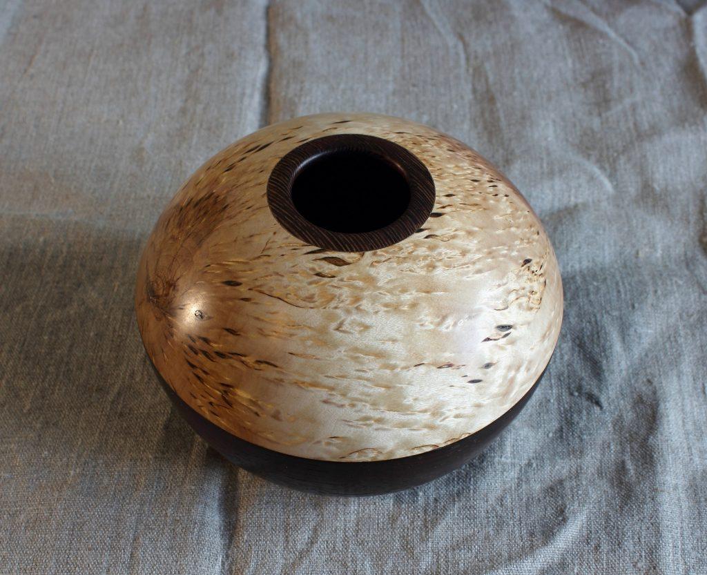 Точёная деревянная ваза, работа Андрея Громова