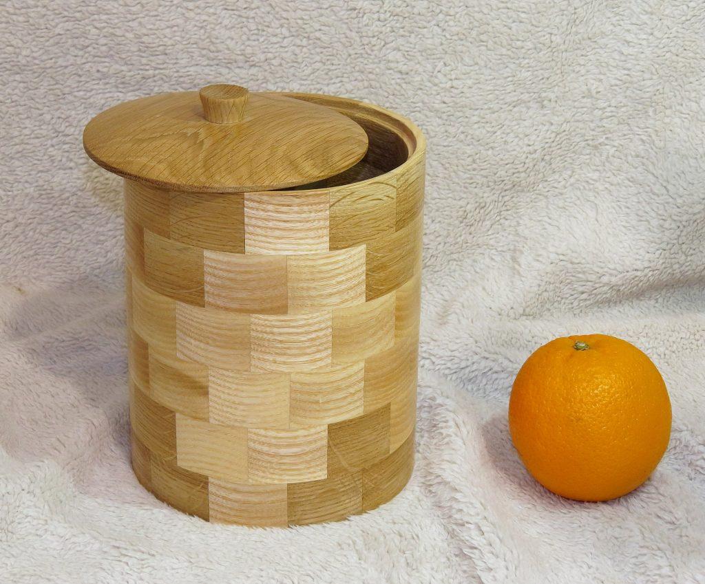 Деревянная сахарница, работа Андрея Громова