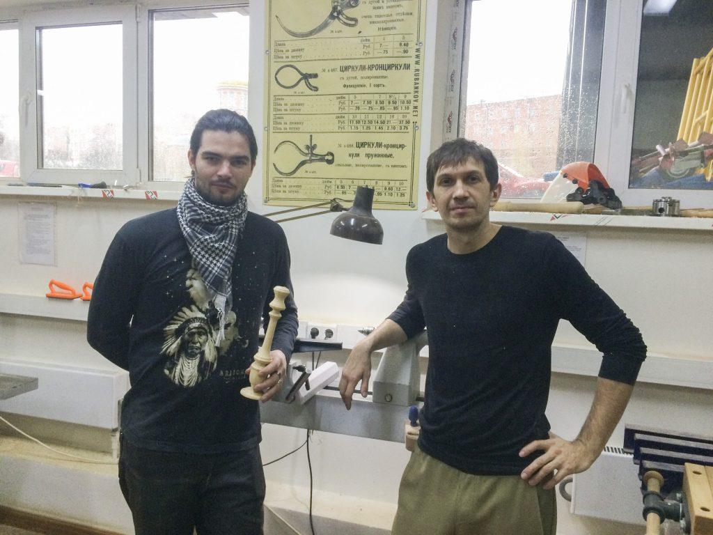 Ученик курса и Андрей Громов (справа)