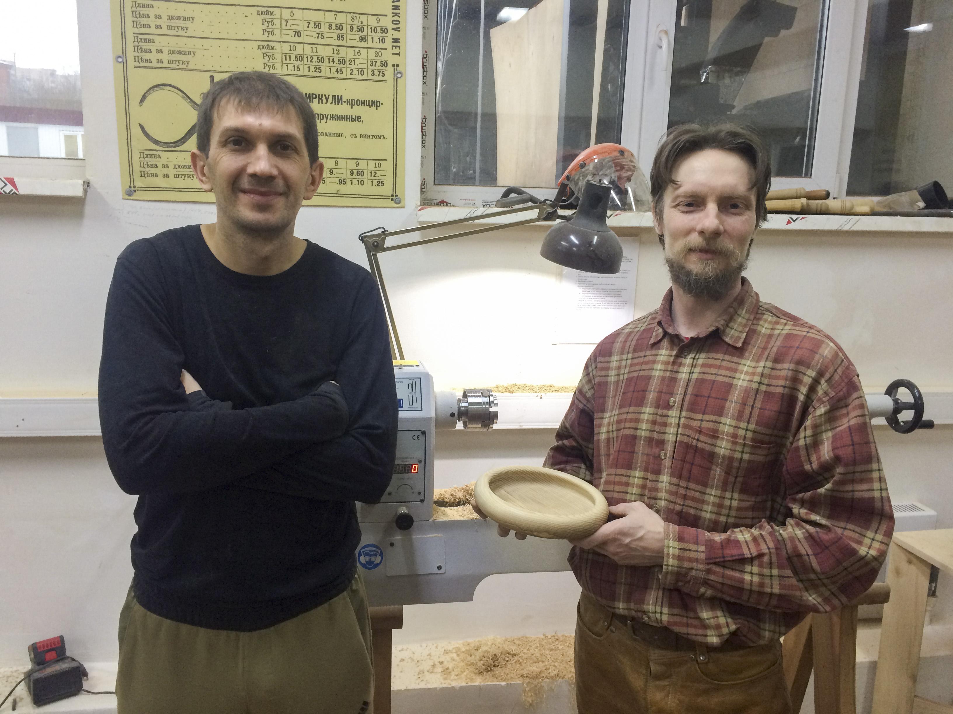 Андрей Громов и ученик с предметом курса, 2й месяц обучения