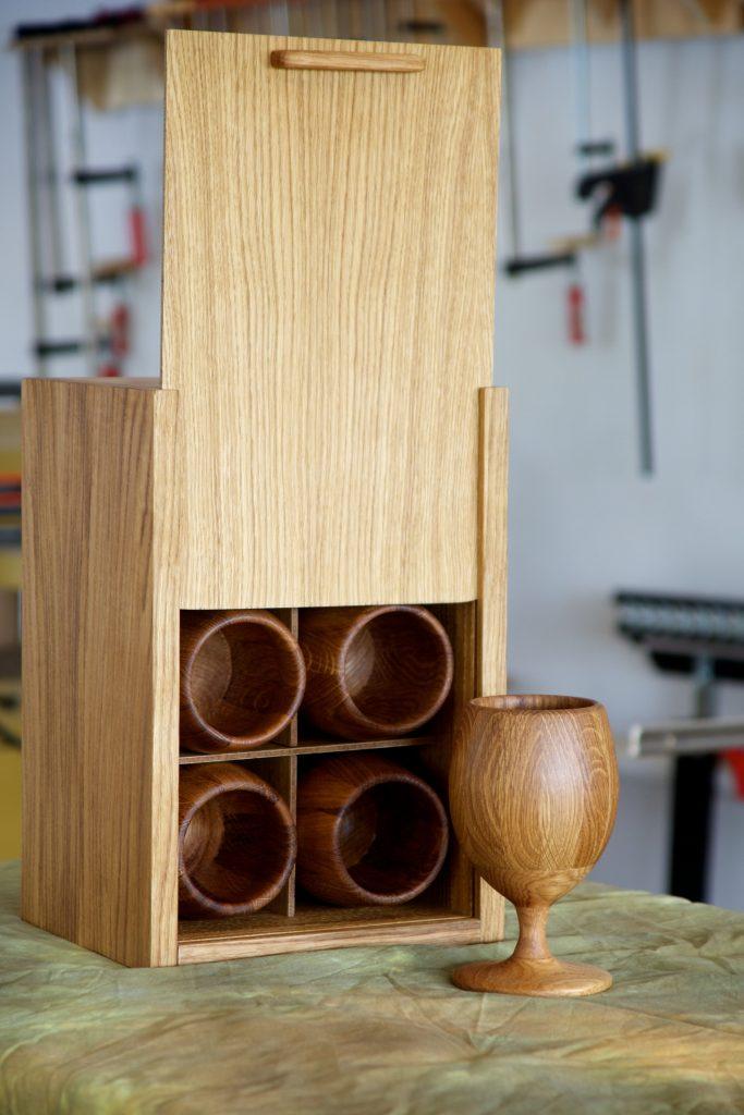 Деревянные бокалы и ящичек для их хранения. Юрий Бажан
