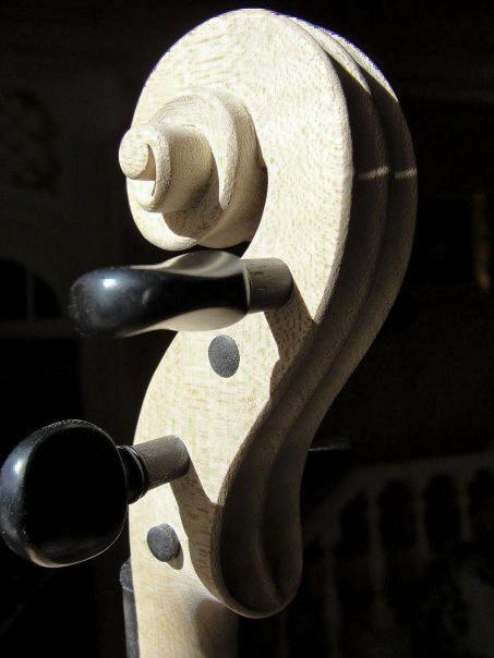 колковая коробка скрипичного грифа