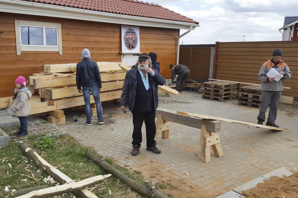 Евгений Игоревич - главный кузнец, следит за испытаниями инструментов ПЕТРОГРАДЪ