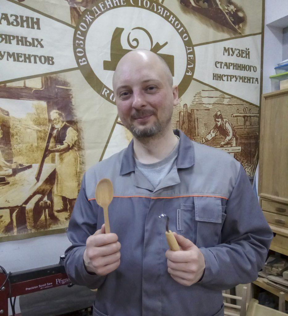 ученик курса резьба деревянной посуды, весна 2019, Москва