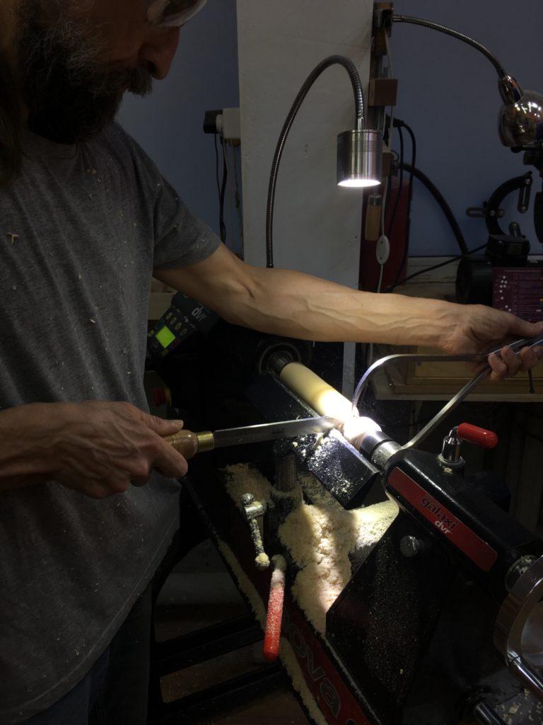 Работа отрезным резцом с кронциркулем