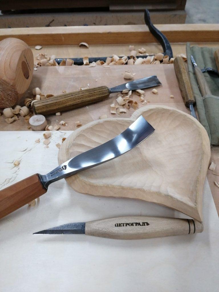 резьба деревянной посуды