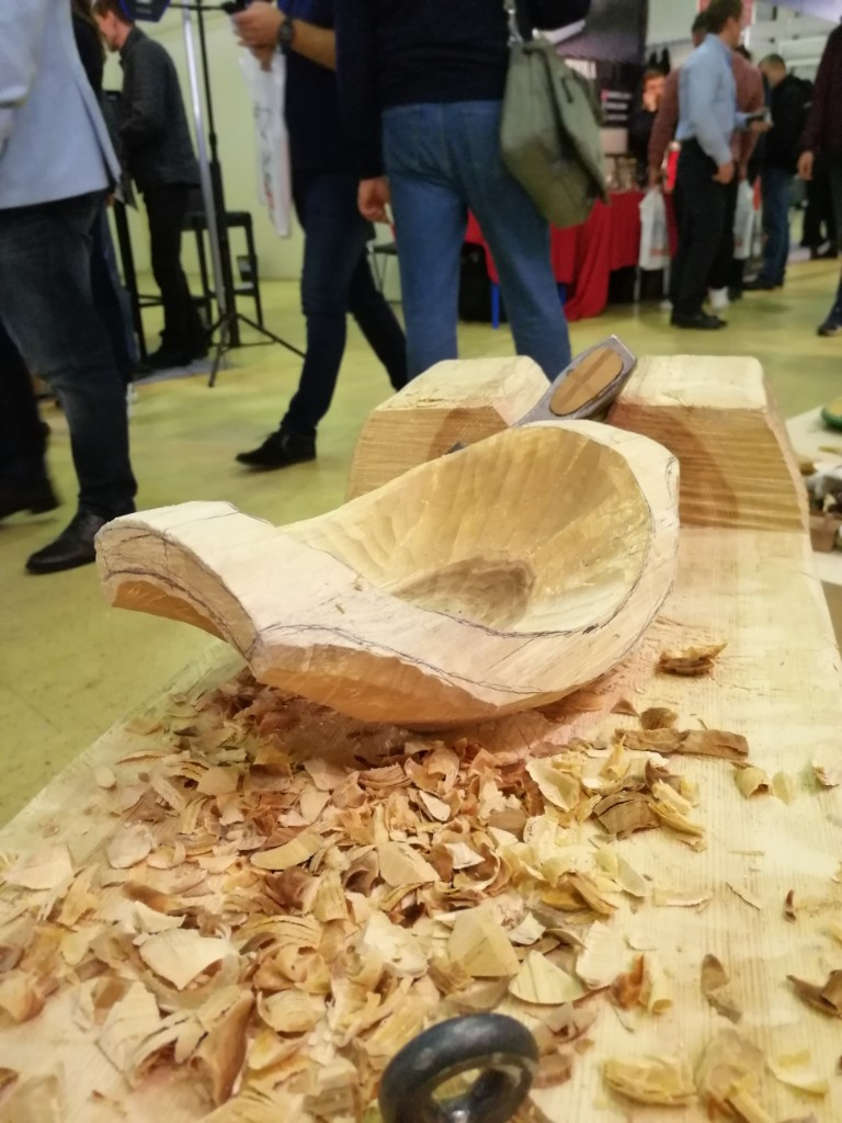 Деревянная чаша, в процессе