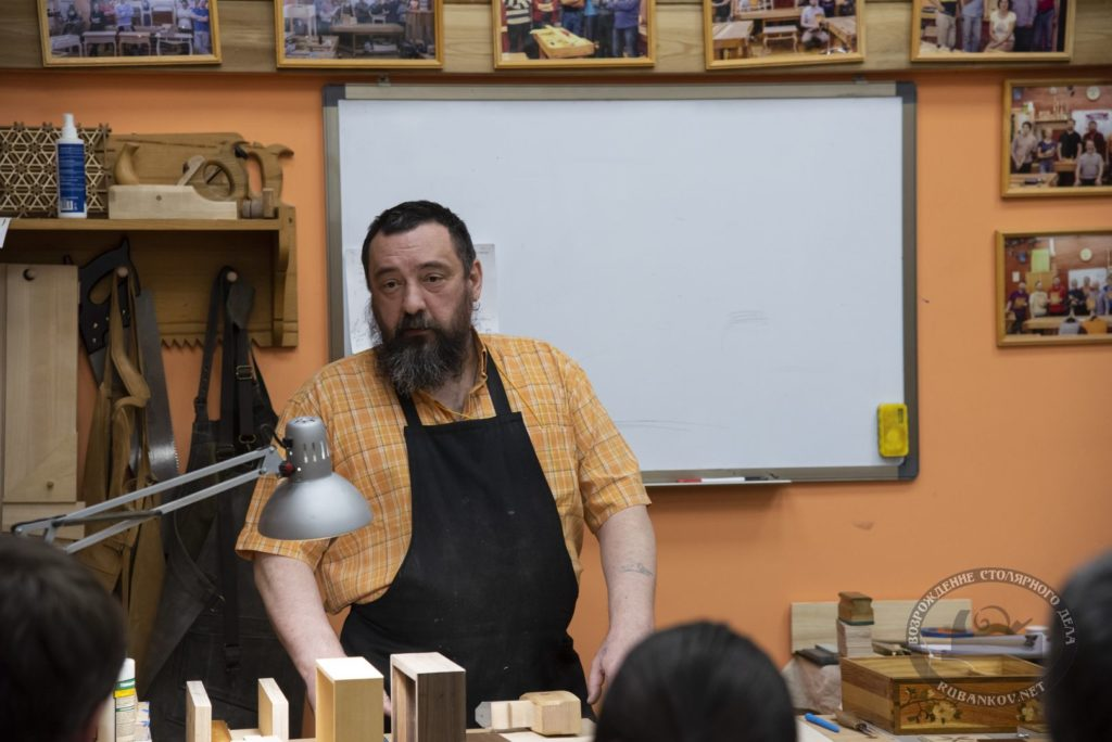 Федор Алексеевич Бондарев с лекцией в Петербурге