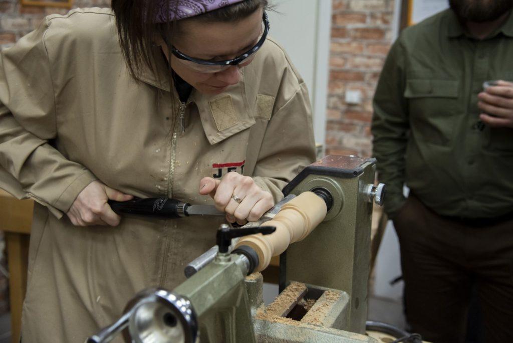Юлия Зайцева работа косым токарным резцом