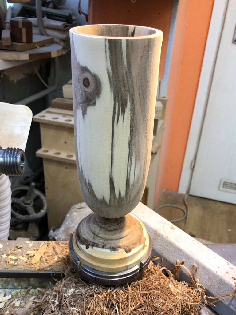 ваза из сырой рябины